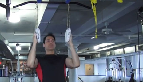 Fitness on the Fly: Increase Grip Strength With Pull-Ups