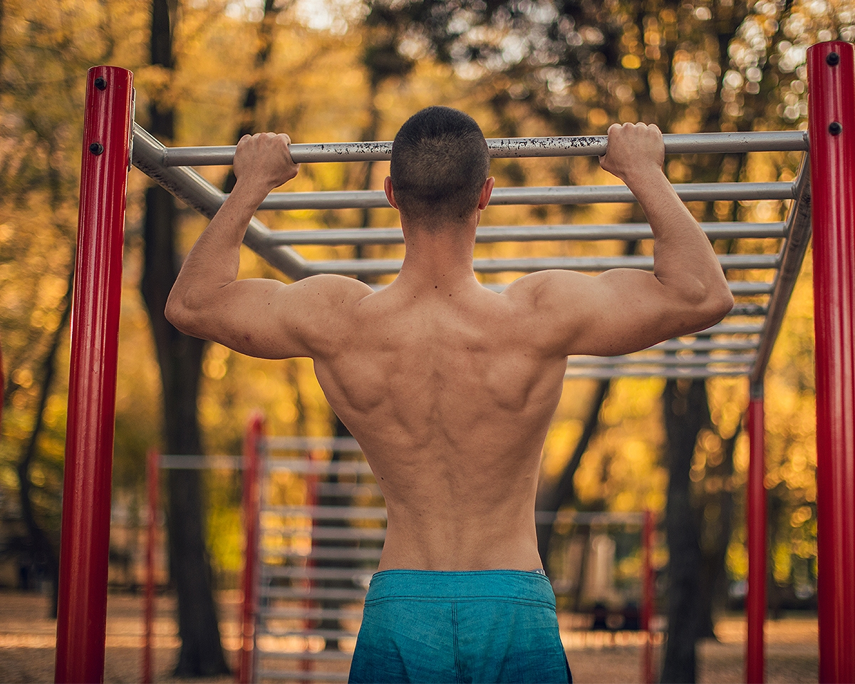 fe9b07269 20 Muscle-Building Monkey Bar Exercises For a Killer Bodyweight Workout