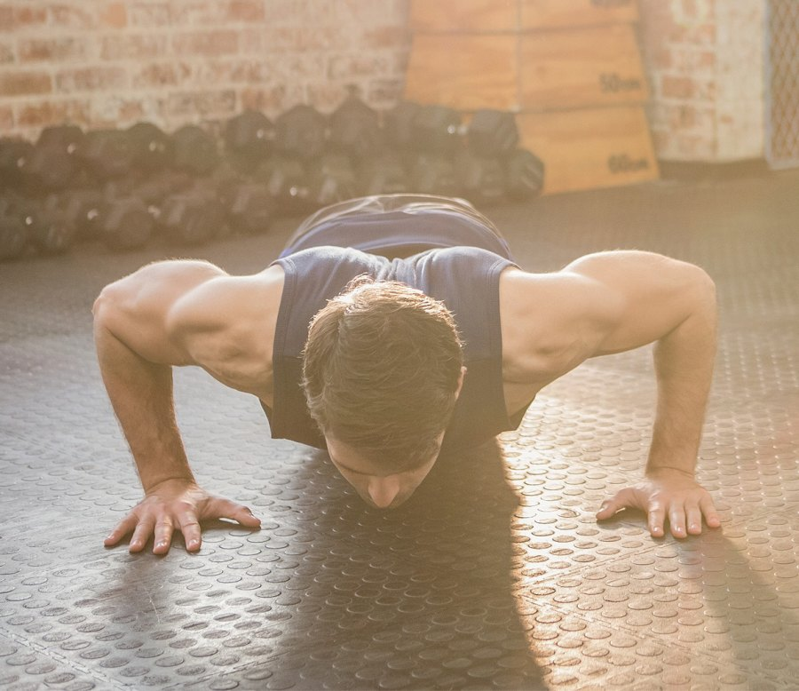 The Back-to-Basics Workout Routine to Get a Big Chest
