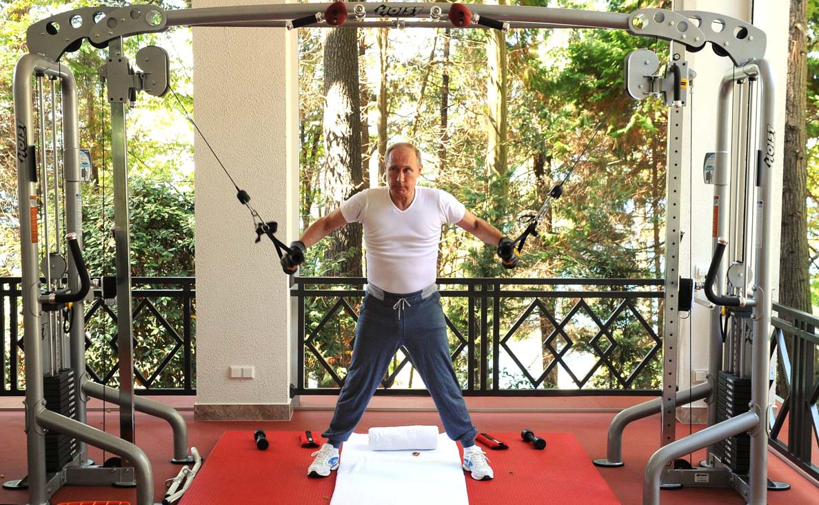 Putin On The Heavy Weights Putin And Medvedev Work Out Grill Meat In Meeting
