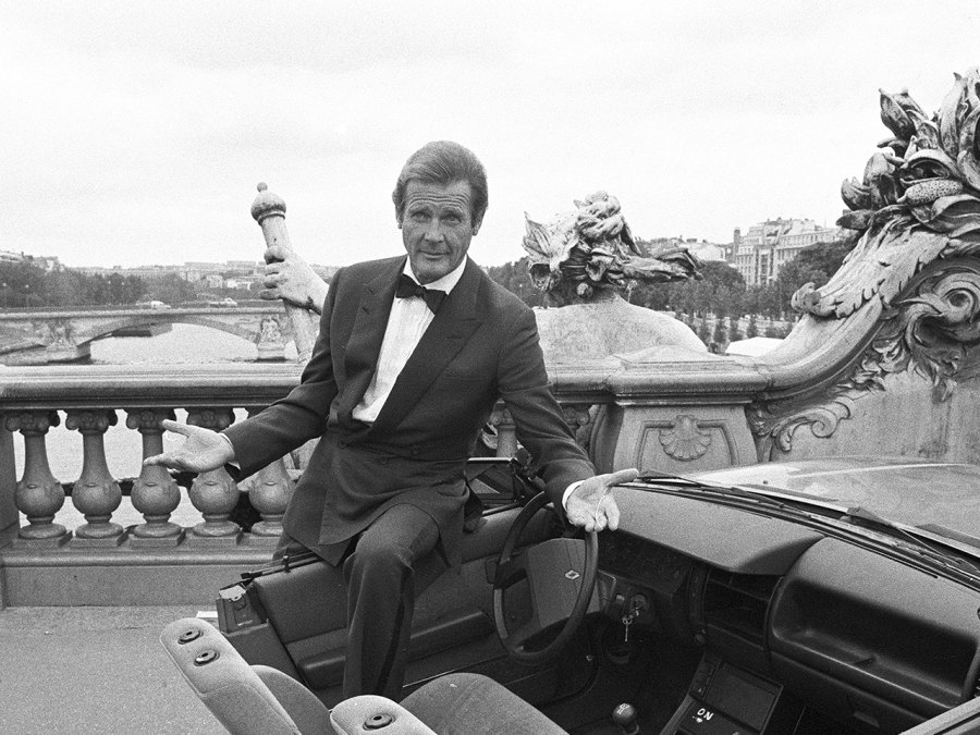 7 Of The Best Vintage Photos Of Roger Moore