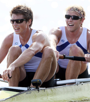 USA's Dynamic Rowing Duo Race to Gold
