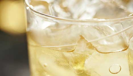 Mix the Perfect Ginger Rum Cocktail