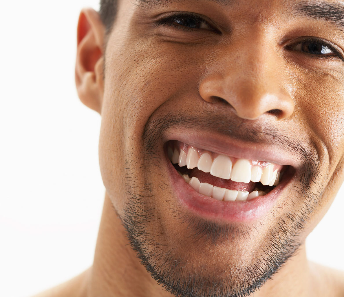 6 Natural Ways to Whiten Your Teeth