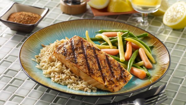 Salmon With Rice and String Beans