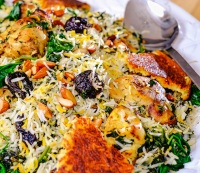 How to Make Saffron Yogurt Rice with Chicken, Spinach and Prunes
