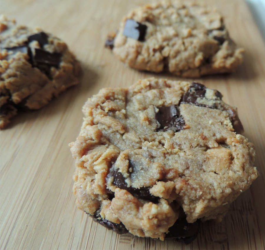 No Sugar Peanut Butter Chocolate Chip Cookies