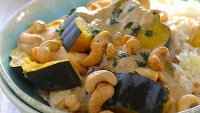 Recipe: How to Make Slow Cooker Chicken and Acorn Squash with Coconut-Cashew Sauce
