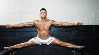 Steve Weatherford Trains for the Super Bowl