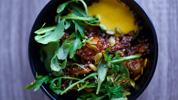 Recipe: How to Make Vegan Maple-Glazed Tempeh with Quinoa and Arugula