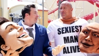 Dwayne Johnson And Jimmy Fallon Surprise Fans At Universal Studios In Mascot Suits