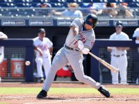 Tim Tebow hits for the NY Mets in spring training
