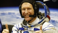 This Guy Is Running the London Marathon From Space