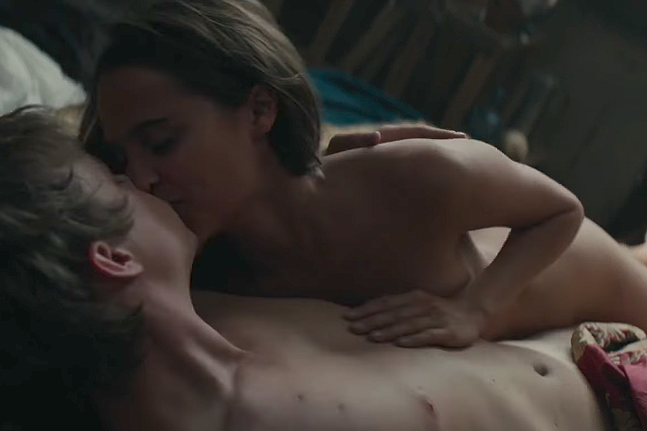 Watch: Alicia Vikander Sizzles in Steamy 'Tulip Fever' Red-Band Trailer