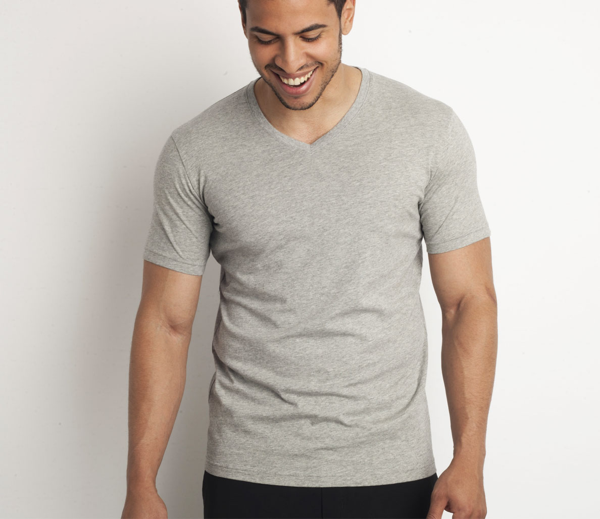 a2ccf88ff908 The V-Neck T. UniQlo (The V-Neck T) Supima Cotton V Neck Short Sleeve T- Shirt