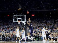 Kris Jenkins makes last-second shot to win championship for Villanova over UNC