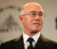 David Geffen could buy the Clippers.