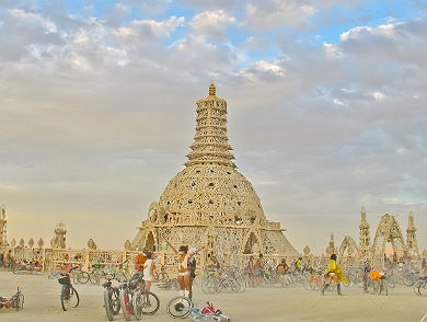 mj-390_294_10-reasons-to-go-to-burning-man-for-the-art