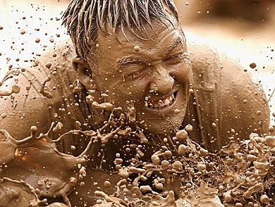 mj-390_294_10-things-you-should-wear-to-an-obstacle-race