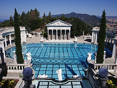 mj-390_294_10-weirdest-historical-mansions-you-can-visit