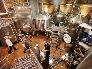 mj-390_294_a-record-to-toast-the-u-s-has-more-breweries-than-any-time-in-history