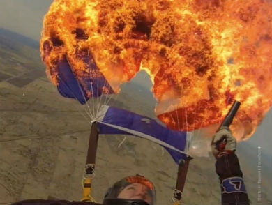 mj-390_294_a-skydive-instructor-set-her-parachute-on-fire-to-prove-a-point
