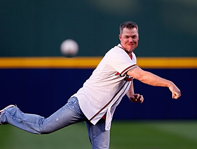 mj-390_294_chipper-jones-leads-the-hunt-at-his-familys-south-texas-ranch