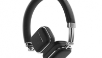 mj-390_294_crisp-comfortable-compatible-the-best-headphones-for-a-long-plane-flight