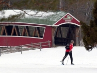 mj-390_294_cross-country-skiing-in-jackson-new-hampshire