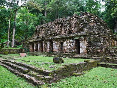 mj-390_294_cruising-the-ancient-mayan-route