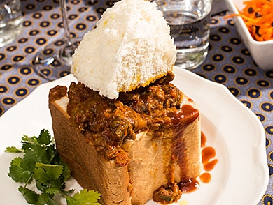 mj-390_294_curry-south-african-style-durbans-bunny-chow