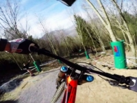 mj-390_294_downhill-mtb-course-preview-on-technical-french-trail
