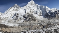 mj-390_294_earthquake-in-nepal-deals-deadly-blow-to-climbers-on-everest