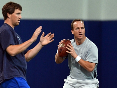 mj-390_294_eli-manning-on-why-his-brother-is-going-to-win