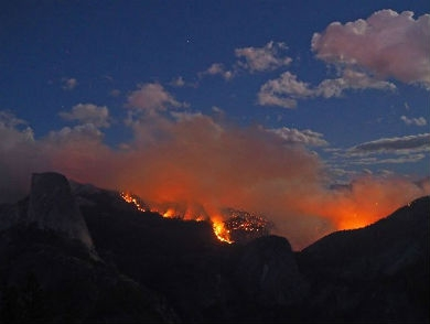 mj-390_294_fire-forces-half-dome-evacuation-by-helicopter