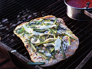 mj-390_294_five-great-grilled-pizza-recipes
