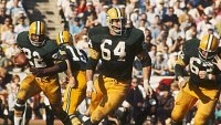 mj-390_294_football-stories-every-man-should-read-before-kickoff
