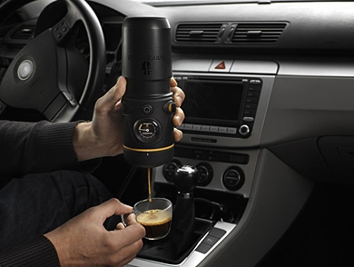 mj-390_294_handpresso-auto-proves-espresso-made-in-your-car-can-be-satisfying
