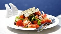 mj-390_294_how-to-make-an-authentic-greek-salad