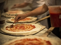 mj-390_294_how-to-make-new-york-style-pizza-at-home