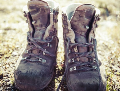 mj-390_294_how-to-resole-your-hiking-boots