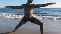 mj-390_294_how-yoga-is-saving-the-bodies-and-minds-of-nfl-players