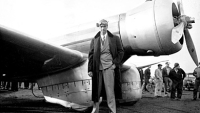 mj-390_294_howard-hughes-the-man-who-flew-too-high