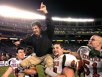 mj-390_294_in-this-issue-the-resurrection-of-mike-leach