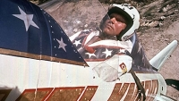 mj-390_294_johnny-knoxville-the-spirit-of-the-x-games-started-with-evel-knievel