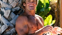 mj-390_294_laird-hamilton-a-diet-you-can-live-with
