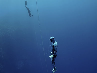 mj-390_294_learning-to-freedive-going-deep-with-james-nestor
