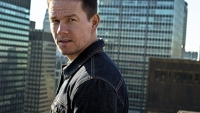 mj-390_294_mark-wahlberg-handles-his-business