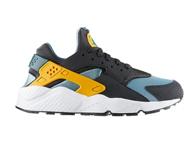mj-390_294_nikes-infamous-air-huarache-makes-a-comeback