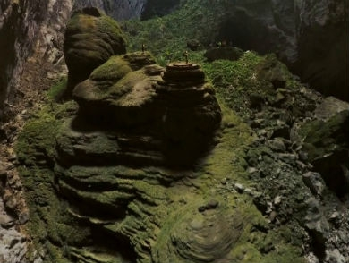 mj-390_294_see-stunning-drone-footage-of-the-worlds-largest-cave